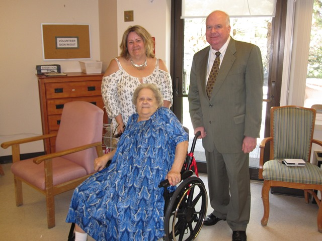 Visiting with Grace McGillvray at Stayner Nursing Home May 2016 web